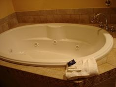 How to clean a jacuzzi tub...