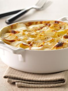 No guest will be able to resist this toothsome side dish. Cider Scalloped Potatoes with Smokes Gouda sounds delicious!