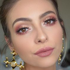 Apr 2020 - 3 Looks mit Anastasia Beverlyhills Modern Renaissance Palett .- 3 Looks mit Anastasia Beverlyhills Modern Renaissance Palette … Tutorial up o … – Makeup – - Pink Makeup, Glam Makeup, Bridal Makeup, Makeup Tips, Bridal Nails, Makeup Ideas, Mod Makeup, Easy Makeup, Makeup Hacks