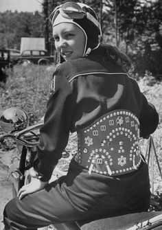 Take a look at our website page for a lot more all about this awesome moto girls Women Riding Motorcycles, Old Motorcycles, Indian Motorcycles, Biker Chick, Biker Girl, Lady Biker, Vintage Biker, Punk, Old Bikes