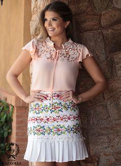 Além de estilo, Luizia Fazzolli busca criar sonhos. No mercado desde 1994, Luzia Fazzolli cria peças para Mulheres exigentes, elegantes e sofisticadas.