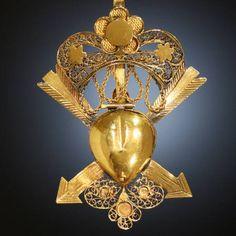 Georgian 18k gold heart locket pendant.