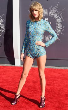 Taylor Swift Ditches Pants, Wears Short Jumpsuit for Her Red Carpet Arrival to the 2014 MTV Music Video Awards!