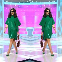 """3,428 aprecieri, 94 comentarii - Bravo, ai stil! (@bravoaistil) pe Instagram: """"ce nu i-a placut Iuliei Albu in tinuta Denisei a fost accesorizarea si mai cu seama cerceii pe care…"""" Short Sleeve Dresses, Dresses With Sleeves, My Style, Inspiration, Instagram, Fashion, Biblical Inspiration, Moda, Sleeve Dresses"""