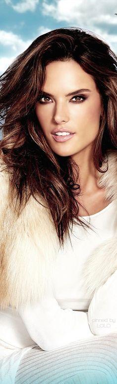snow is cold} ❅ ❆ (fictional resort) Alessandra Ambrosio for VO Alessandra Ambrosio, Brazilian Supermodel, Brazilian Models, Laetitia Casta, Claudia Schiffer, Gwyneth Paltrow, Most Beautiful Women, Beautiful People, Beautiful Models