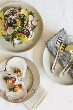https://svbscription.com/blog-post/blog/food/valentines-dish-by-trotski-and-ash/ Citrus Salad with Scallops.
