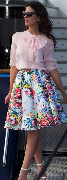 Pink Bow Blouse On Floral Skirt Silvia Navarro New Collection Mode Outfits, Skirt Outfits, Dress Skirt, Dress Up, Fashion Outfits, Womens Fashion, Floral Outfits, Cheap Fashion, Fashion 2017