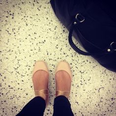 Pretty Chloe Ballet Flats and skinnies - Lo Bosworth