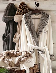 these cozy robes are 15% off! I'll take two. http://rstyle.me/n/t896hr9te