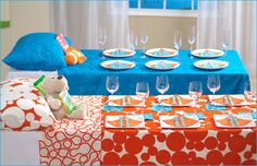 This would be so cute for a child's birthday party, slumber party or a baby shower. Top a table (banquet tables would work great) with patterned sheets or tablecloths and make up to look like a bed with pillow, stuffed animal and a bedtime story! Fiesta Shower, Shower Party, Baby Shower Parties, Baby Shower Themes, Shower Ideas, Baby Showers, Sleepover Party, Birthday Party Games, Slumber Parties