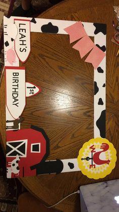 Cow Birthday, Farm Animal Birthday, Boy Birthday Parties, Birthday Ideas, Farm Themed Party, Barnyard Party, Farm Animal Party, Birthday Party Decorations Diy, Photo Prop