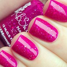 Para los amantes del rosa! Un gran color para las uñas