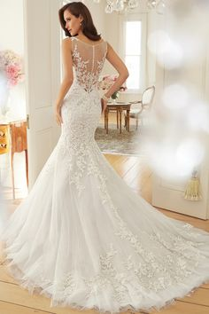 2016 Wedding Dresses Scoop Trumpet/Mermaid Court Train With Applique And Beads Tulle