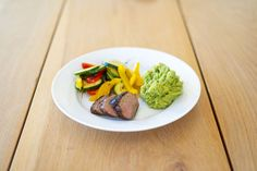 Slik kan du gå ned inntil en kilo i uken - Vektklubb Sprouts, Steak, Food And Drink, Beef, Dinner, Vegetables, Meat, Dining, Food Dinners