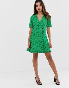 4f8eeb50386 DESIGN wiggle midi dress in floral print in 2019