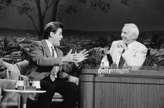 CARSON -- Air Date -- Pictured: Comedian Jay Leno during an interview with host Johnny Carson on September 25, 1990 -- Photo by: Paul Drinkwater/NBCU Photo Bank