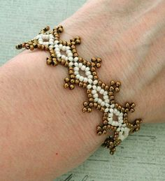Linda's Crafty Inspirations: Seed Bead Lacy Bracelet - Ivory & Bronze