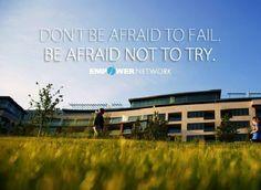 NÃO TENHAS MEDO DE FALHAR! TEM SIM MEDO DE NÃO TENTARES! Fazer algo e falhar é pelo menos dez vezes mais produtivo do que não fazer nada. Todo sucesso deixa um rasto de falhas atrás de si, cada falha é um passo rumo ao sucesso. Você vai acabar por se arrepender muito mais das coisas que NÃO fez, do que daquelas que fez. Saiba mais em: http://blog.gracaetoluis.com/blog/pare-de-ter-medo-de-cometer-erros