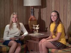 Marcia Brady and friend on The Brady Bunch. They have the cutest outfits!! This is why I wish I was a 60s girl so bad.
