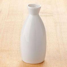 Chopstick Holder, Porcelain Black, Sake Bottle, Japanese Sake, Hotel Supplies, Small Plates, Shape Design, Flower Vases, Sushi Bars