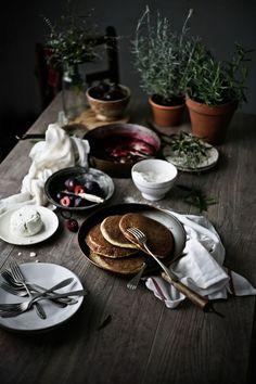 Coconut, cottage cheese pancakes with plum and verbena compote - Pratos e Travessas   Mónica Pinto