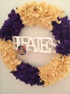 ECU Pirates- 18in Wreath