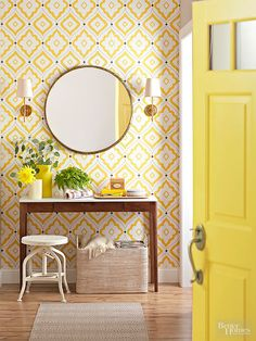 entry way with yellow wallpaper and yellow door Plaid Wallpaper, Accent Wallpaper, Wallpaper Ceiling, Bold Wallpaper, Chinoiserie Wallpaper, Temporary Wallpaper, Estilo Colonial, Decoracion Vintage Chic, Yellow Home Decor