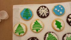 Emergency cookies, simple designs to decorate on short notice.