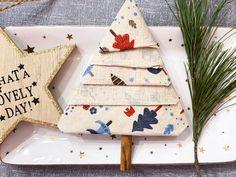 Anleitung: Einen Servietten Tannenbaum falten! Origami, Mom Blogs, Advent Calendar, Gift Wrapping, Christmas Ornaments, Holiday Decor, Popcorn, Kids, Germany