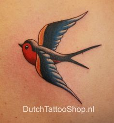 oldschool-swallow-zwaluw-kleur-tattoo