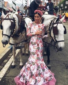 Flamenco Wedding, Vestido Charro, Estilo Cowgirl, Race Day Outfits, Mexican Fashion, Mexican Dresses, Spanish Style, Modest Outfits, Passion For Fashion