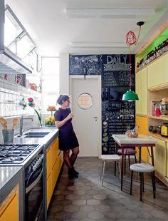 21 Modern Kitchen Ideas Every Home Cook Needs to See - Site Home Design Kitchen Dining, Kitchen Decor, Sweet Home, Black Kitchen Cabinets, Interior Decorating, Interior Design, Modern Interior, Diy Interior, Modern Kitchen Design