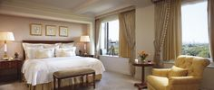 The Ritz-Carlton New York, Central Park offers 259 lavishly appointed guest rooms with delightful views of Central Park.