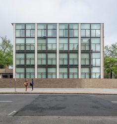 Gallery of AD Classics: Yale University Art Gallery / Louis Kahn - 3