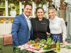 Chef Antonia Lofaso is making a delicious holiday veal and pairing it with a seasonal salad. Home And Family Tv, Family Show, Veal Milanese, Family Video, Hallmark Channel, Pasta Dishes, Main Dishes, Beef, Recipes