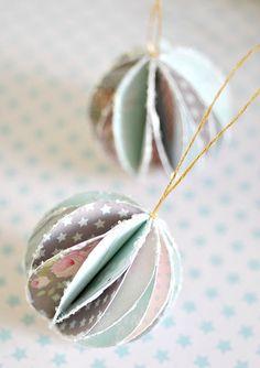 bolas de dorno para el árbol hechas con papeles de colores #manualidades #navidad #decoracion #DIY #ideas #crafts