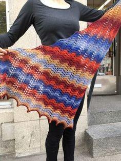 Aallot-pitsihuivi Knitted Shawls, Handicraft, Diy And Crafts, Blanket, Knitting, Crochet, Scarfs, Ideas, Ponchos