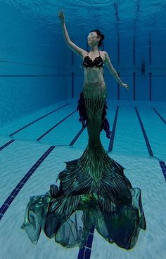 Tailor made Professional aquarium performance Mermaid tail shiny tail Mermaid Swim Tail, Mermaid Fin, Mermaid Swimming, Mermaid Tale, Mermaid Tail Bathing Suit, Usa Swimming, Tattoo Mermaid, Girls Swimming, Swimming Pools