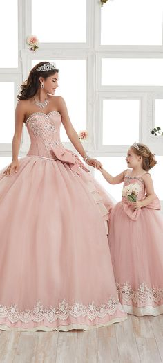 Quinceanera dress shopping may be one of the worst and best parts of event planning. To keep your sanity at bay, take a look at the tips of ours, including style, size. Sweet 16 Dresses, 15 Dresses, Cute Dresses, Beautiful Dresses, Girls Dresses, Pageant Dresses, Pink Wedding Dresses, Wedding Gowns, 15 Birthday Dresses