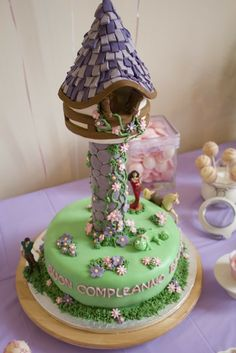 Cake at a Tangled Party #tangled #partycake