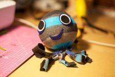 love everyday: Tutorial Thursday: Sock Octopus