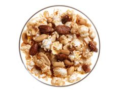 Nutty Caramel Popcorn Nothing feels more decadent than the classic combination of crunchy, salty nuts and sweet caramel. Flavored Popcorn, Popcorn Recipes, Snack Recipes, Dessert Recipes, Cooking Recipes, Popcorn Kernels, Popcorn Snacks, Gourmet Popcorn, Kid Snacks