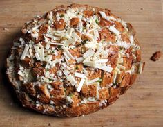 pull-apart spicy cheese bread - perfect munchie for a lazy Saturday watching SEC football!