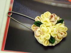 Flower bouquet scarf pin, yellow green, kanzashi inspired flower from vintage kimono, flower brooch, kilt pin