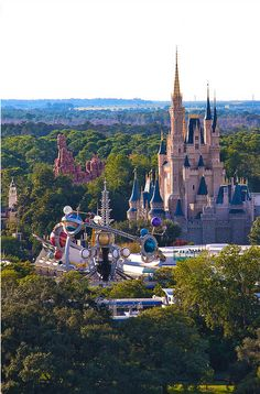Cinderella's Castle - Magic Kingdom - Walt Disney World - Orlando, FL