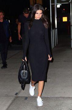 """Nacida en 1995 en el seno de una de las familias más conocidas de los Estados Unidos, el """"temido"""" clan Kardashian, Kendall Jenner comenzó su carrera de modelo con tan sólo 14 años para …"""