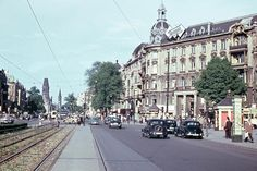 Ku'damm at the intersection with Uhlandstraße: West Berlin in May of 1954. ...