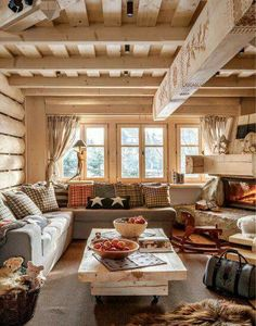 Ideas for Decorating a Family Room with Rustic Cabin Style Modern Interior, Interior Design, Interior Ideas, Room Interior, Design Interiors, Sweet Home, Cabin Interiors, Log Cabin Homes, Log Cabins