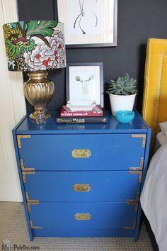 Móveis Reciclados e pintados de Azul