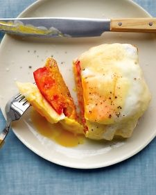 Open-Faced Egg and Tomato Sandwich-- Try using a nonstick spray instead of oil and opt for lowfat cheese to keep this dish red-free #breakfast | www.kurbo.com